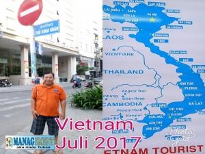 Gereja Katolik di Saigon dan Hanoi , July Vietnam 2017